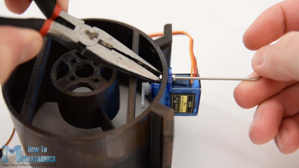 instaling a servo motor to the thrust blower housing