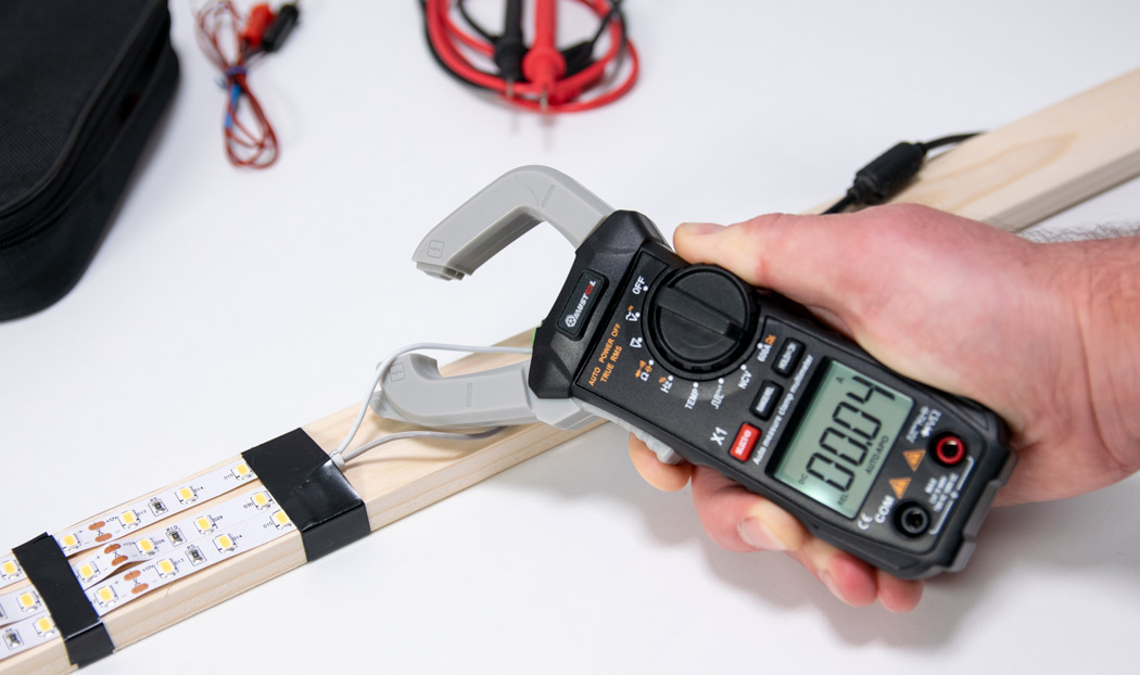 Mustool X1 digital clamp meter