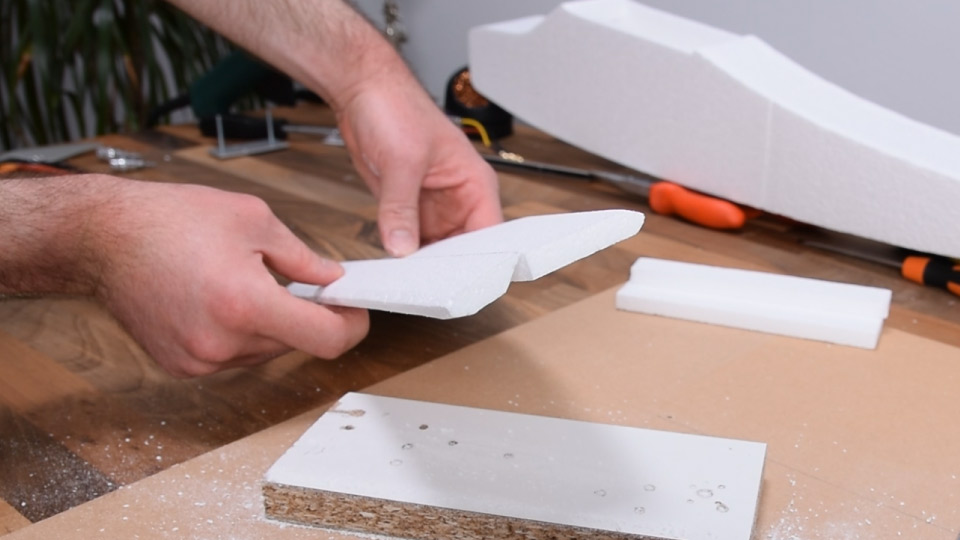 Making the control surface for the horizontal stabilizer - the elevator