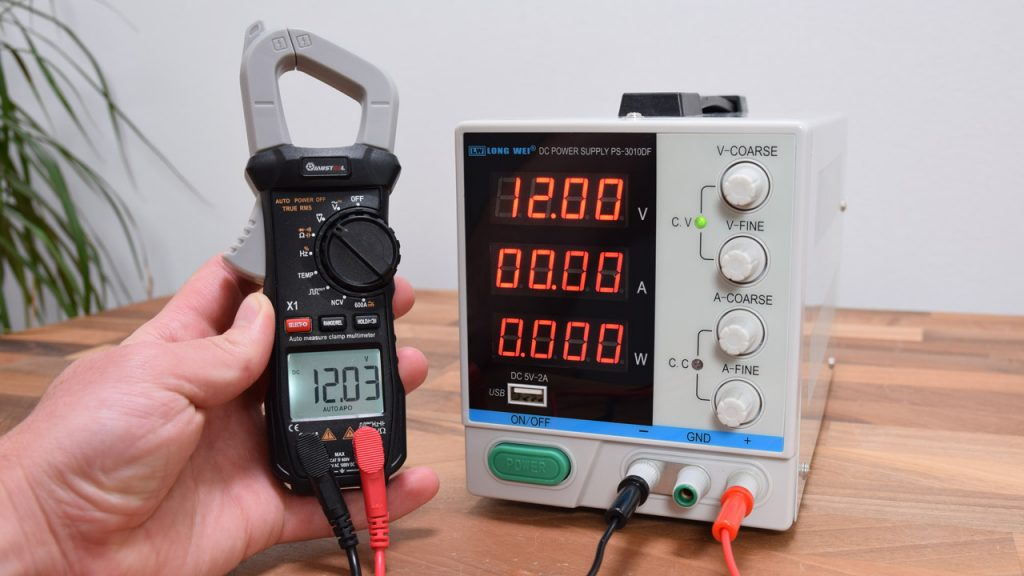 Measuring the DC power supply voltage